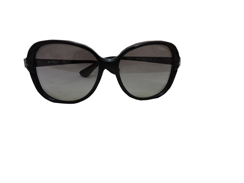 23c38cebd oculos de sol vogue preto800 – Óticas Zurique